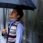 【男のくせ毛】雨の日に前髪を暴れさせない5つの方法