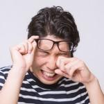 【つらーい花粉症】目のかゆみを一瞬で和らげる!3つの解消法